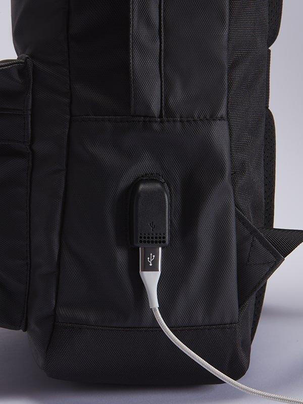 Zaino porta pc All Over 17 lt con porta USB
